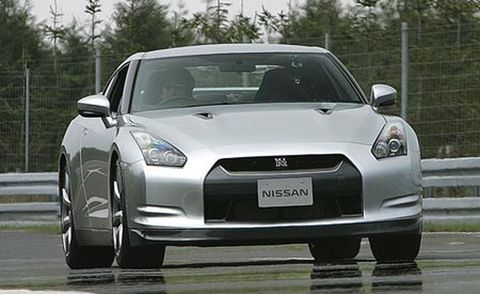 Tire, Automotive design, Vehicle, Land vehicle, Hood, Car, Performance car, Rim, Automotive lighting, Fender,
