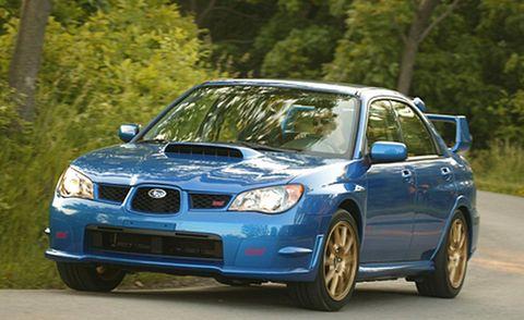 Tire, Wheel, Automotive design, Vehicle, Daytime, Automotive mirror, Automotive lighting, Land vehicle, Headlamp, Hood,