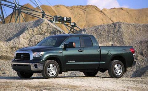 Tire, Wheel, Motor vehicle, Automotive tire, Automotive design, Vehicle, Land vehicle, Natural environment, Truck, Pickup truck,