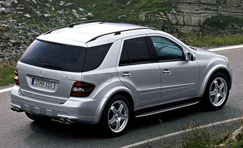 Tire, Wheel, Automotive design, Automotive tire, Vehicle, Road, Rim, Infrastructure, Alloy wheel, Car,