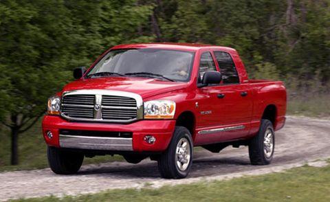 Tire, Wheel, Motor vehicle, Automotive tire, Vehicle, Automotive design, Land vehicle, Grille, Truck, Pickup truck,