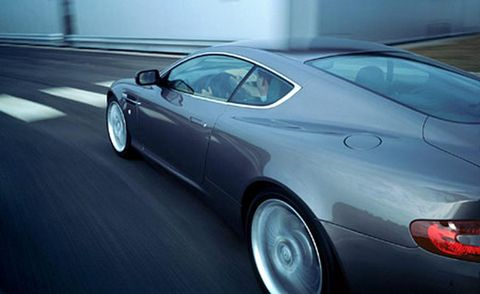 Tire, Wheel, Mode of transport, Automotive design, Vehicle, Land vehicle, Automotive wheel system, Car, Transport, Rim,
