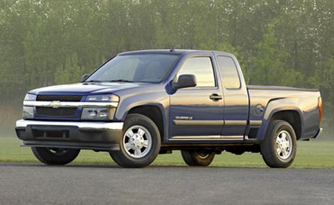 Tire, Wheel, Automotive tire, Vehicle, Land vehicle, Rim, Automotive design, Truck, Hood, Grille,