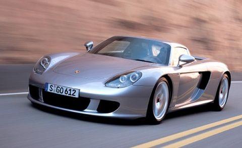 Tire, Mode of transport, Automotive design, Vehicle, Transport, Performance car, Car, Sports car, Rim, Fender,