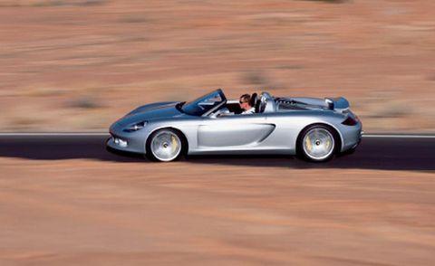 Tire, Mode of transport, Automotive design, Vehicle, Rim, Car, Performance car, Automotive mirror, Alloy wheel, Fender,