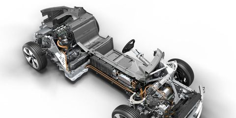 Wheel, Tire, Motor vehicle, Automotive design, Automotive tire, Product, Transport, Rim, Automotive wheel system, Automotive exterior,