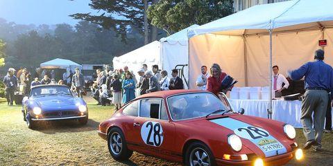 Tire, Vehicle, Land vehicle, Car, Performance car, Motorsport, Classic car, Sports car, Automotive parking light, Tent,