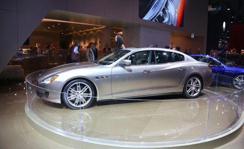 Tire, Wheel, Automotive design, Vehicle, Land vehicle, Rim, Spoke, Car, Alloy wheel, Personal luxury car,