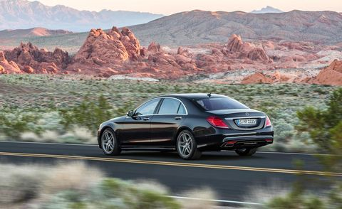 Tire, Automotive design, Mountainous landforms, Vehicle, Road, Alloy wheel, Car, Rim, Automotive lighting, Personal luxury car,