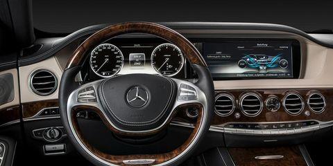 Motor vehicle, Steering part, Mode of transport, Steering wheel, Speedometer, Car, Center console, Gauge, Personal luxury car, Tachometer,