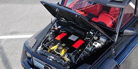 Motor vehicle, Automotive design, Vehicle, Automotive exterior, Hood, Grille, Car, Headlamp, Automotive tire, Automotive lighting,