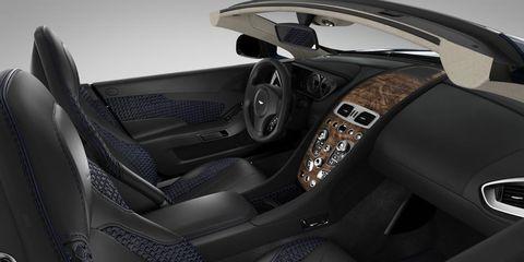 Motor vehicle, Steering part, Automotive design, Steering wheel, Vehicle door, Car seat, Center console, Luxury vehicle, Personal luxury car, Car seat cover,