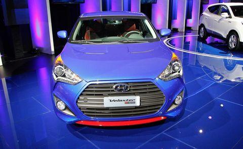 Motor vehicle, Mode of transport, Automotive design, Vehicle, Land vehicle, Event, Grille, Transport, Car, Headlamp,