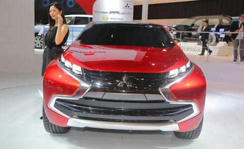 Automotive design, Product, Event, Vehicle, Auto show, Car, Exhibition, Automotive lighting, Fashion, Grille,