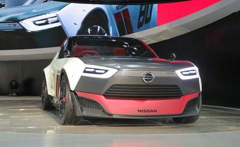 Automotive design, Vehicle, Event, Grille, Car, Automotive exterior, Automotive lighting, Bumper, Headlamp, Auto show,