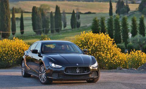 Automotive design, Vehicle, Land vehicle, Hood, Car, Grille, Performance car, Rim, Maserati, Plain,