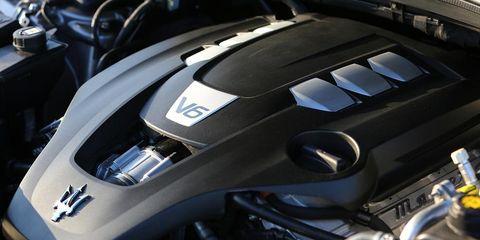 Automotive design, Automotive exterior, Carbon, Motorcycle accessories, Motorcycle, Machine, Engine, Personal luxury car,