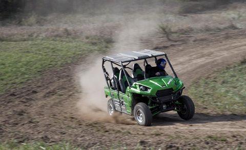 Tire, Wheel, Automotive design, Vehicle, Automotive tire, Off-road vehicle, Off-roading, Soil, Motorsport, All-terrain vehicle,