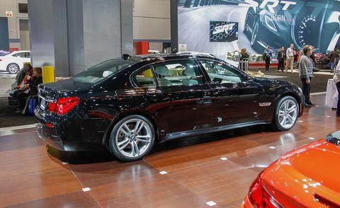 Tire, Wheel, Automotive design, Vehicle, Land vehicle, Car, Personal luxury car, Alloy wheel, Spoke, Rim,