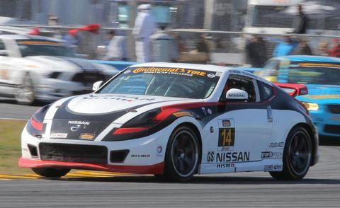 Tire, Wheel, Automotive design, Vehicle, Land vehicle, Sports car racing, Motorsport, Car, Race track, Touring car racing,