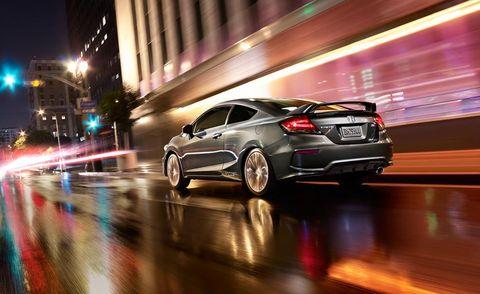 Tire, Wheel, Mode of transport, Automotive design, Automotive lighting, Car, Alloy wheel, Rim, Night, Personal luxury car,