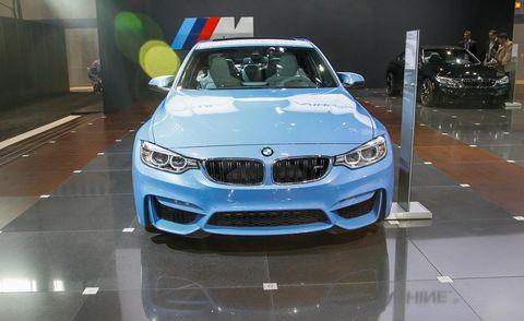 Motor vehicle, Automotive design, Automotive exterior, Vehicle, Land vehicle, Automotive lighting, Hood, Car, Grille, Personal luxury car,