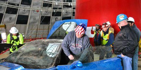 Helmet, Workwear, Engineer, Hard hat, Baseball cap, Engineering, Plastic, Crew, Baggage, Blue-collar worker,