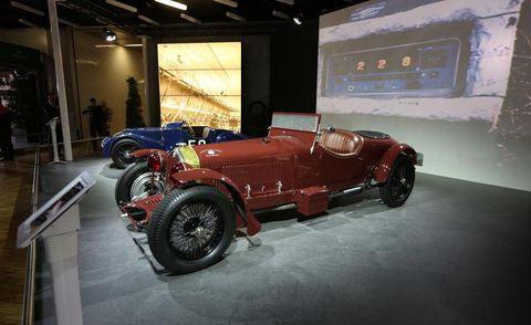 Automotive design, Vehicle, Car, Classic, Antique car, Classic car, Automotive lighting, Convertible, Roadster, Auto part,