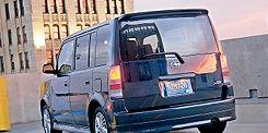 Motor vehicle, Tire, Wheel, Mode of transport, Automotive mirror, Transport, Automotive tire, Vehicle, Automotive design, Land vehicle,