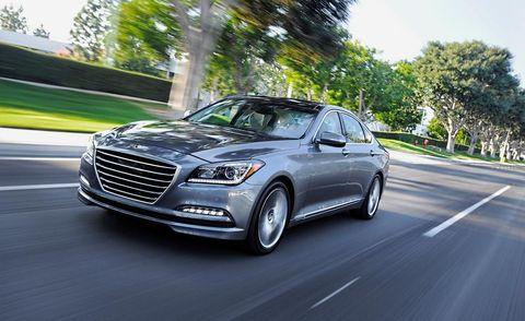 Tire, Motor vehicle, Wheel, Mode of transport, Automotive design, Vehicle, Automotive lighting, Transport, Spoke, Rim,
