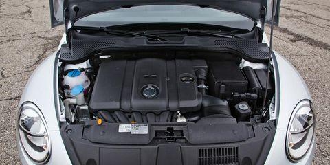 Automotive design, Vehicle, Automotive exterior, Hood, Automotive lighting, Car, Bumper, Grille, Headlamp, Automotive parking light,