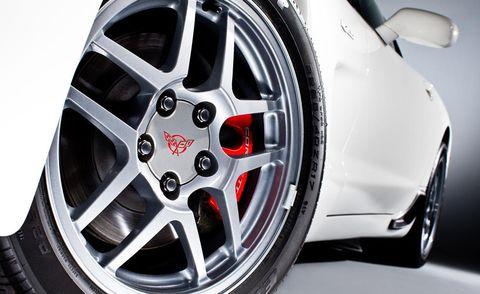 Wheel, Tire, Automotive tire, Automotive design, Alloy wheel, Automotive wheel system, Spoke, Rim, Automotive exterior, Auto part,