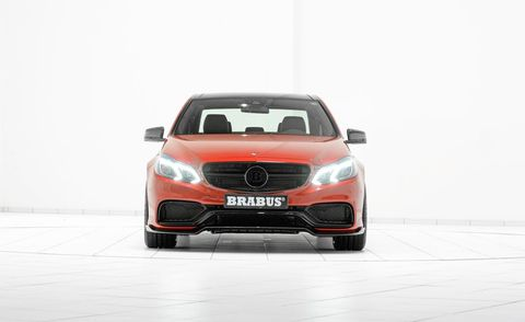 Automotive design, Automotive mirror, Vehicle, Automotive lighting, Automotive exterior, Grille, Headlamp, Car, Personal luxury car, Automotive fog light,