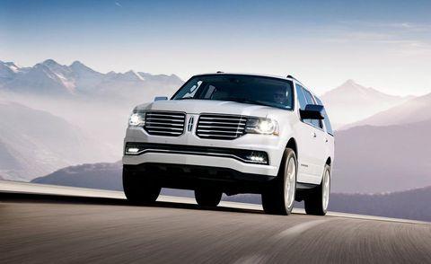 Wheel, Tire, Automotive design, Automotive tire, Automotive exterior, Vehicle, Land vehicle, Grille, Hood, Mountainous landforms,