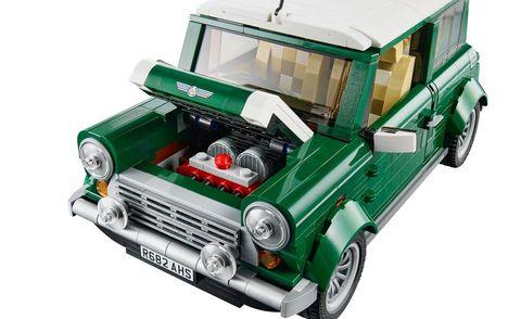 Motor vehicle, Automotive design, Transport, Automotive exterior, Automotive lighting, Headlamp, Toy, Vehicle door, Grille, Fender,