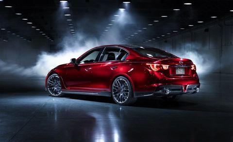 Tire, Wheel, Automotive design, Automotive tail & brake light, Vehicle, Automotive lighting, Alloy wheel, Car, Rim, Personal luxury car,