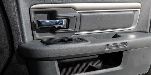 Automotive exterior, Vehicle door, Bumper part, Bumper, Automotive door part, Machine, Silver,