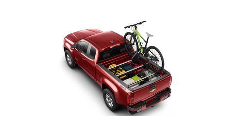 Tire, Wheel, Motor vehicle, Automotive design, Automotive tail & brake light, Vehicle, Automotive exterior, Transport, Land vehicle, Rim,
