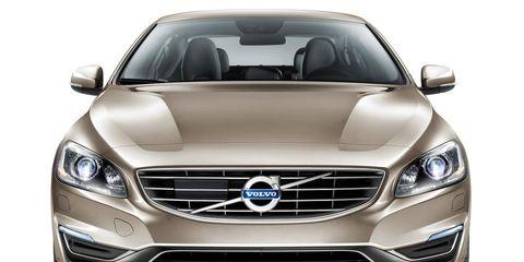 Mode of transport, Automotive design, Vehicle, Headlamp, Grille, Automotive lighting, Hood, Car, Automotive exterior, Glass,