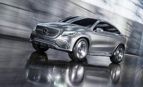 Automotive design, Vehicle, Land vehicle, Automotive lighting, Car, Grille, Headlamp, Alloy wheel, Personal luxury car, Rim,
