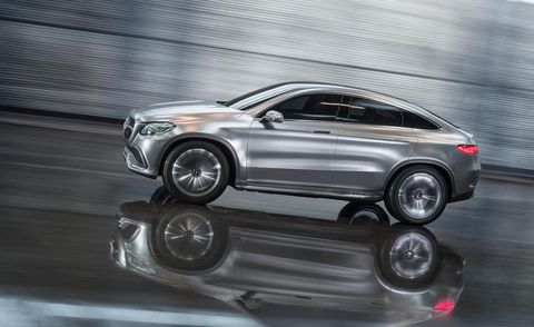 Tire, Wheel, Automotive design, Vehicle, Automotive tire, Alloy wheel, Car, Rim, Automotive wheel system, Spoke,