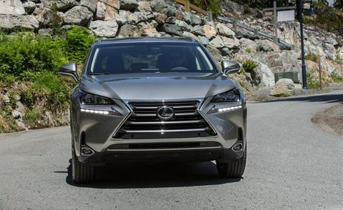 Mode of transport, Automotive design, Vehicle, Automotive mirror, Grille, Car, Glass, Headlamp, Automotive lighting, Personal luxury car,