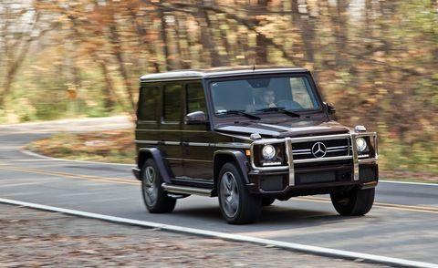 Motor vehicle, Tire, Wheel, Mode of transport, Automotive tire, Automotive design, Road, Vehicle, Automotive parking light, Automotive exterior,