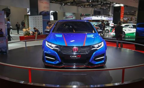 Automotive design, Mode of transport, Vehicle, Event, Land vehicle, Car, Auto show, Exhibition, Grille, Logo,