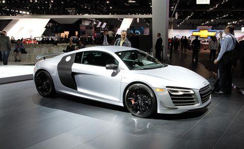 Tire, Wheel, Automotive design, Vehicle, Event, Land vehicle, Car, Personal luxury car, Grille, Auto show,
