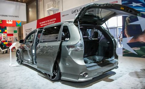 Automotive design, Vehicle, Automotive exterior, Alloy wheel, Vehicle door, Car, Automotive tire, Rim, Automotive wheel system, Trunk,