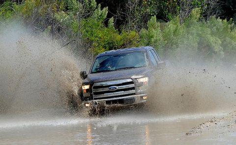 Automotive design, Vehicle, Hood, Car, Automotive tire, Off-roading, Dust, Dirt road, Truck, Windshield,
