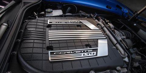 Automotive design, Engine, Automotive exterior, Automotive engine part, Hood, Personal luxury car, Luxury vehicle, Kit car, Automotive air manifold, Automotive super charger part,