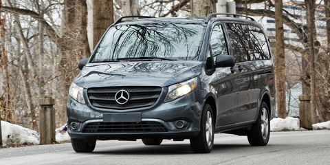 Motor vehicle, Vehicle, Winter, Automotive mirror, Grille, Headlamp, Glass, Automotive lighting, Car, Automotive fog light,