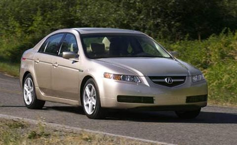 Mode of transport, Daytime, Vehicle, Land vehicle, Automotive mirror, Infrastructure, Transport, Car, Road, Leaf,